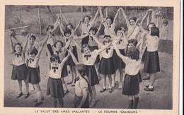 """Carte 1930 LE SALUT DES AMES VAILLANTES / """"LE SOURIRE TOUJOURS"""" / FILLES SCOUTS - Scoutisme"""