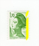 Liberté 1fr70 Vert YT 2318 Avec Phosphore à Cheval . Pas Courant , Voir Le Scan . Cote Maury N° 2327a : 10 € . - Variedades: 1980-89 Nuevos