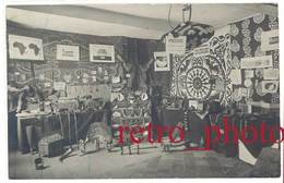 Cpa Carte-photo Bernheim Nimes - Exposition D'objets Des Colonies / Africains - Nîmes
