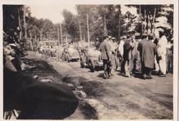 Photo Ancienne  Antibes Course Automobile Départ De La Course Circuit De La Garoupe Bret Et Williams Sur Bugatti 1928 - Cars