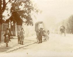 HARTENNES , Septembre 1915 . WW1 . Militaires , Ambulance , Voitures à Cheval ... Un Document !  PHOTO Albuminée SEPIA . - Guerre, Militaire