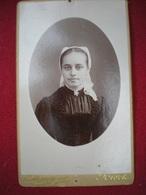 PHOTO CDV - Portrait De Femme En Costume Folklorique , Photo Duburguet Niort,deux Sèvres. - Antiche (ante 1900)