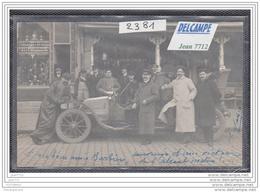 7887 AK/PC/PHOTO /2381 / CAFE DE PARIS ? / A IDENTIFIER /GROUPE AUTOUR VOITURE ET CHAUFFEUR - Cartoline