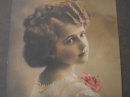 Schönes Mädchen Motiv, Mädchen, Portrait, Fillet, Girl, Child  Aus Östrreich 1912 - Abbildungen