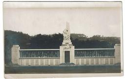 Carte Photo - Dinant - Monument Aux Victimes De La Guerre, Martyrs Civils - 2 Scans - Dinant