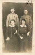 CARTE PHOTO  DEUX SOLDATS 1917 - Guerre 1914-18