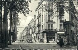 Uccle : Avenue Albert Et Monument Vanderkindere  /Ancètres - Oldtimers - Ukkel - Uccle