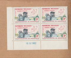 "MADAGASCAR   Neuf     Bloc De 4    Coin Date     Le 18 9 1962     "" Energie Atomique 8F ""   YT Num 373 - Madagascar (1960-...)"