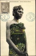 Cp Madagaskar, Jeune Femme Vezo - Postcards