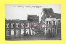 CPA 59 HAZEBROUCK -  Maisons Détruites Sur La Grand'Place Animée Peu Commune  ( Chapellerie ) - Hazebrouck