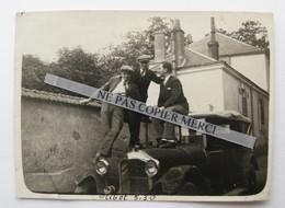 Olivet Orléans Loiret 1930 Voiture Auto De Dion Bouton Homme Pose Sur Le Capot Photo Originale Real Photo Snapshot - Automobile