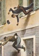 """Carabinieri - Illustrazione """"Domenica Del Corriere"""" - Lancio Dal Tribunale Di Trieste Per Catturare Detenuto Che Evade - Otros"""