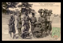 GUINEE - CHASSEURS D'ELEPHANTS DANS LA REGION DE KANKAN - Guinea