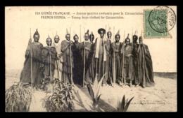 GUINEE - JEUNES GARCONS COSTUMES POUR LA CIRCONSION - Guinea