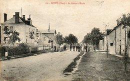 CPA - LEVET (18) - Aspect Du Quartier De La Maison D'Ecole En 1906 - Francia