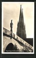 AK Regensburg, Blick Brückenmanderl Und Dom - Regensburg