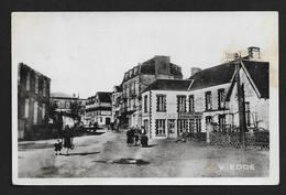 Coutainville Centre Commerces Enseigne Bazar Godard Et Coudray - Coutances CPSM Format CPA Manche Normandie - Coutances