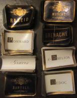 Important Stock D'étiquettes De Vin Par Multiples : St Emilion, Grenache, Pommard, Medoc, Banyuls, Rancio, Graves, Musca - Collections, Lots & Séries