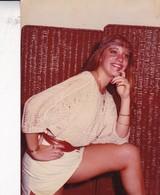 JOVEN MUJER JEUNE FEMME YOUNG WOMAN EROTIQUE EROTICO SENSUAL CIRCA 1980 PHOTO ORIGINAL SIZE 17x12cm- BLEUP - Personnes Anonymes