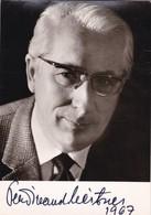 FERDINAND LEITNER AUTOGRAPH DIRECTOR POSTCARD CIRCA 1960's- BLEUP - Autografi