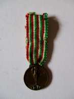 Italia: Mini-médaille Militaire 1915 - Italy