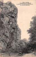 FERRIERES SAINT MARY - Le Rocher Saint Mary Surplombant La Route De Massiac - Très Bon état - Autres Communes