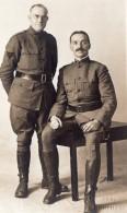 Portrait Hommes En Uniforme YMCA? WWI Ancienne Carte Photo 1914-1918 - War, Military