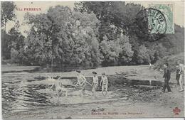 94 LE-PERREUX . La Baignade Au Bord De La Marne , édit : Trèfle , écrite En 1907  , état Extra - Le Perreux Sur Marne