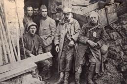 Fort De Tavanne Soldats Blesses Attendant L'Evacuation WWI Ancienne Photo 1914-1918 - War, Military