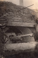 Canon De 75 Mm Dans Un Abri Artillerie De Campagne WWI Ancienne Photo 1914-1918 - War, Military