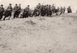 Fantassins A L'Assaut Fusils Baà°®nette WWI Ancienne Photo 1914-1918 - War, Military
