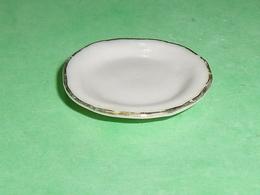 Fèves / Autres / Divers : Vaisselle , Assiette Plate , Filet OR       T79 - Autres