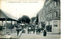 N°2155 A -cpa Caudebec En Caux Le Jour Du Marché - Caudebec-en-Caux