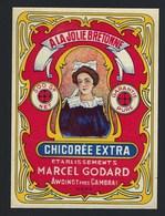 Ancienne Etiquette Chicorée  Exra  A La Jolie Bretonne  Ets Marcel Godard Awoingt Nord 59 500 G - Fruits Et Légumes