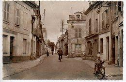 Fontevrault : La Grand' Rue - France