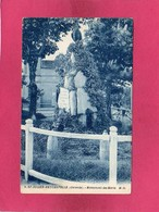 33 Gironde, St-Julien-Beychevelle, Monument Des Morts, (M. Delboy) - France
