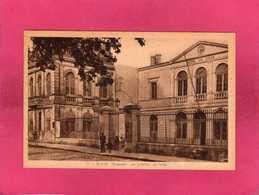 33 Gironde, Blaye, L'Hôtel De Ville, Animée, (A. Baron) - Blaye