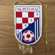 Flag (Pennant / Banderín) ZA000430 - Football (Soccer / Calcio) Croatia Petlovac - Apparel, Souvenirs & Other
