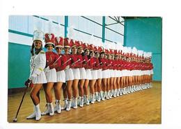 MONTCEAU Les MINES  (cpa 71)  Majorettes Girls Montceau   - L 1 - Montceau Les Mines
