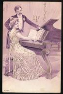 AAN DE PIANO  GAUFREE  RELIEF - Couples