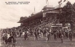 1024 -  Cpa 14 Deauville -  Champ De Courses, Les Tribunes - Deauville
