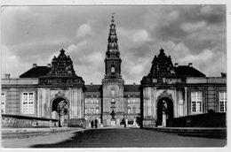 COPENHAGEN   CHRISTIANSBORG  CASTLE       2  SCAN   (VIAGGIATA) - Danimarca