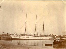 PHoto Du Bateau Voilier Le Maroussia Appartenant à Son Altesse Sérénissime Le Duc D'Orléans Port à Identifier - Bateaux