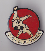 PIN'S THEME JUDO  CLUB DE  DE NANGIS EN SEINE ET MARNE - Judo