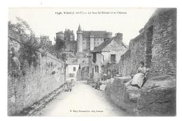 (21582-35) Vitré - La Rue De Balazé Et Le Chateau - Vitre