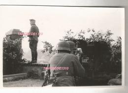 WW2 PHOTO ORIGINALE Soldats Allemands & Pak1940 à FONTAINE LE PORT ?? Bord De SEINE Près Nangis Melun 77 - 1939-45
