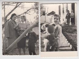TUNISIE / BEJA / 1961 , 2 Photos De Femmes Et Enfant , Gros Ours En Peluche - Places