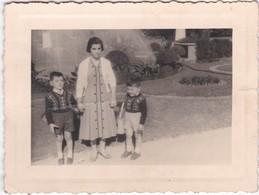PORTUGAL   -  PHOTO PHOTOGRAPH - PHOTOGRAPHY - PALACIO DE CRISTAL - PORTO 1957   -  7,3 Cm X 9,7 Cm - Anonymous Persons