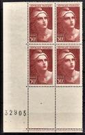 FRANCE 1945 - BLOC DE 4 TP  / Y.T. N° 732  -  NEUFS** COIN DE FEUILLE - Nuovi