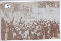 CARTE-PHOTO- TROUBLES VITICOLES DE 1907 D ADISSAN- MANIF A BEZIERS ?- RARE- RECT/VERSO - Ansichtskarten